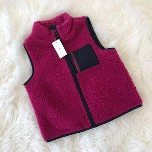 🏖 NWT 🏖 BABY GAP sherpa vest ~ size 4T